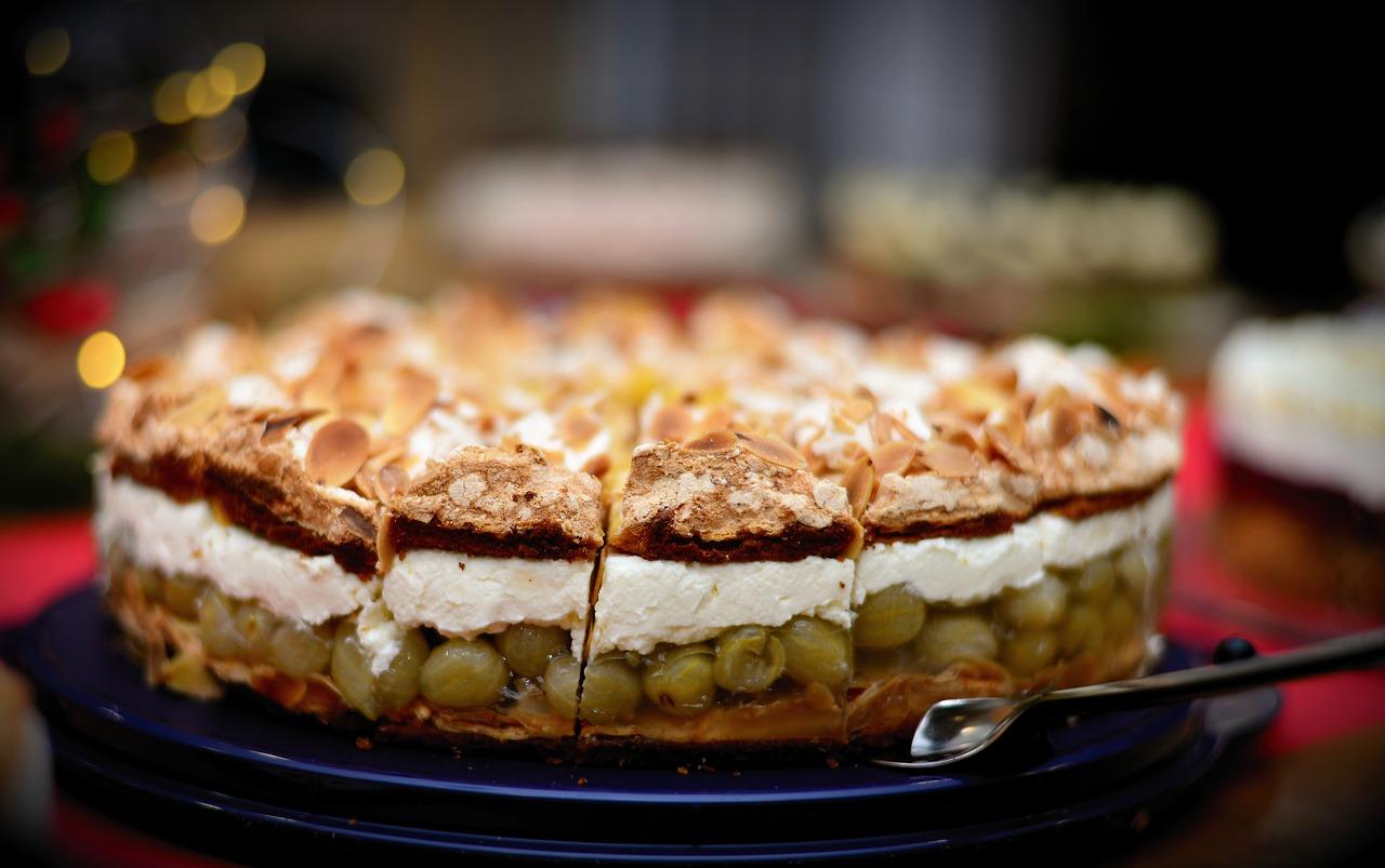 Agrestowo – jabłkowe ciasto z pianką.