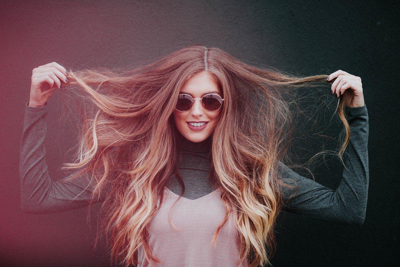 Jak dbać o długie włosy? Jak zapuścić włosy?