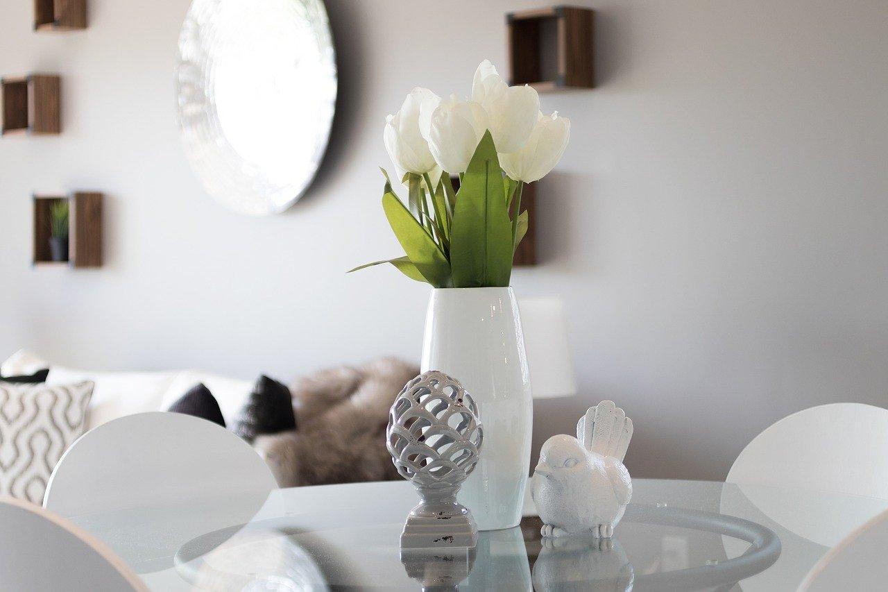 Drobiazgi dekoracyjne do domu – pomysły i inspiracje