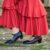 Sukienki hiszpanki – z jakimi butami łączyć?