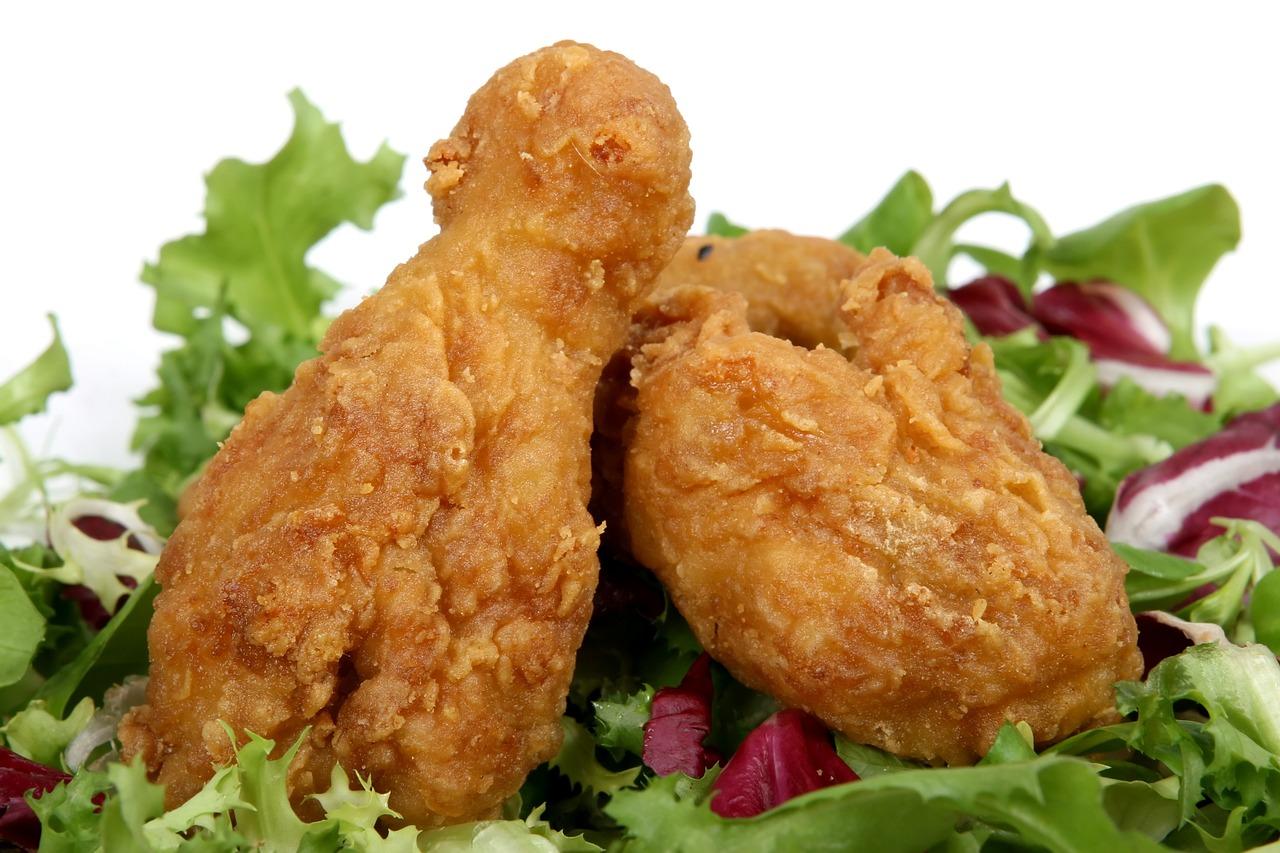 Pierś z kurczaka z ziemniakami i warzywami na parze